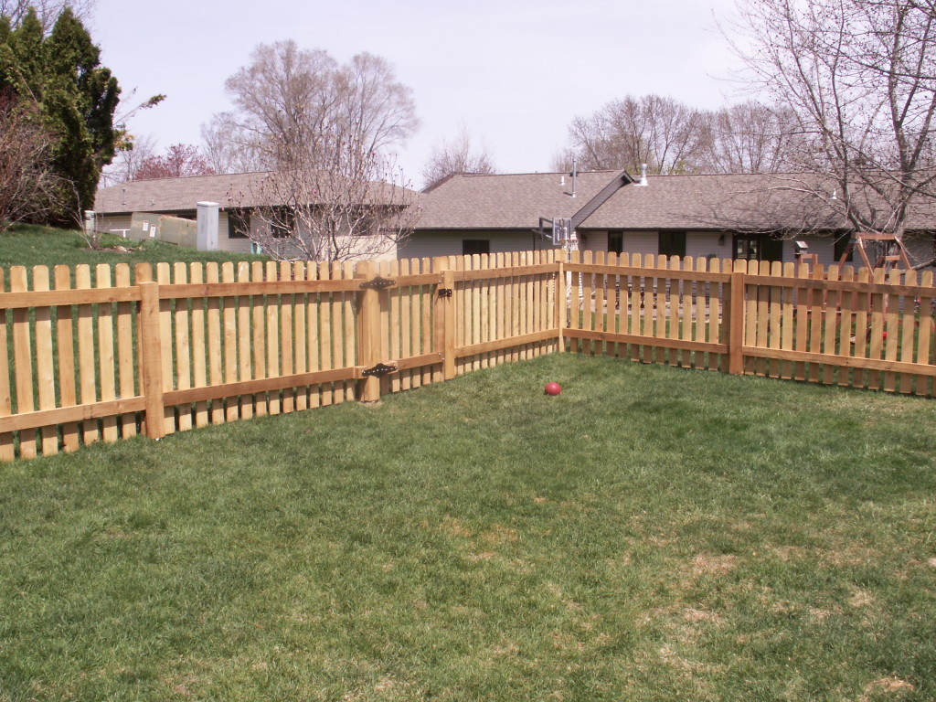 Western Red Cedar Picket Fence